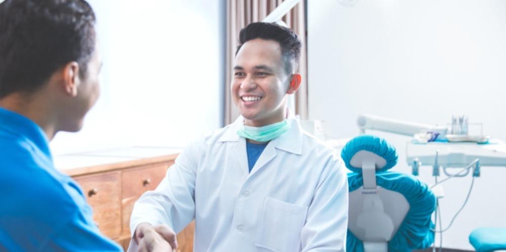 5-tips-to-consider-when-hiring-an-associate-dentist