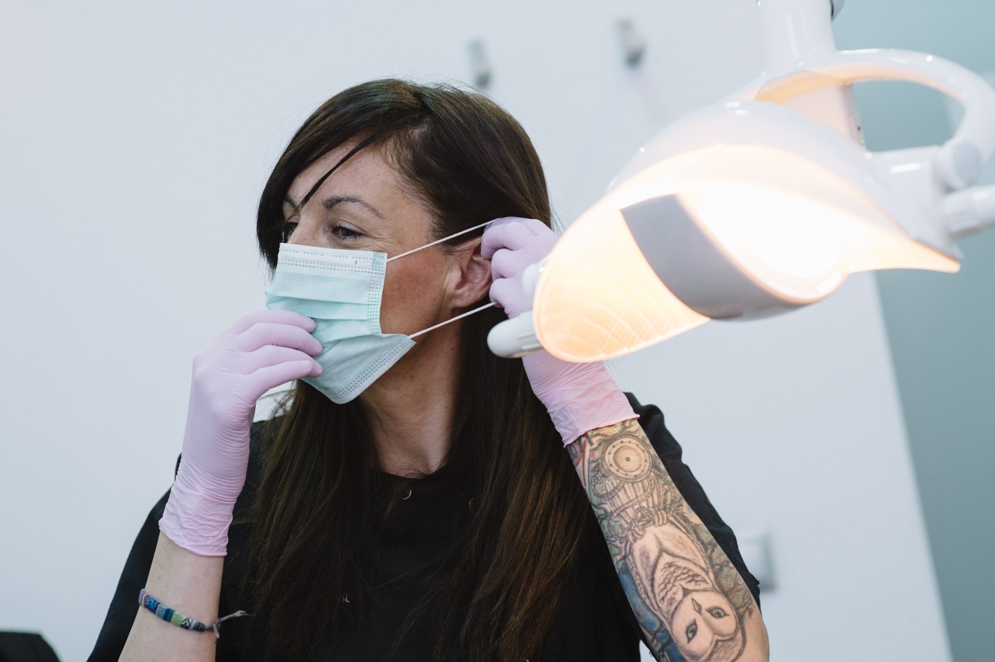Tattoos and piercings in dental workplace